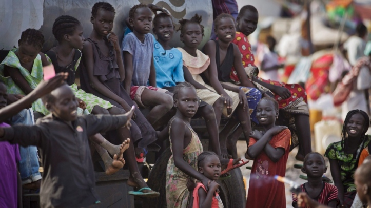 Displaced children gather at a UN compound in Juba, South Sudan. (Photo: Ben Curtis / AP)